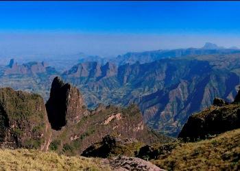 http://www.ethiopiabirdingandtrekking.com/images/simienm.jpg